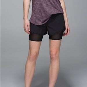 Lululemon | Black Hot to Street Short Size 10